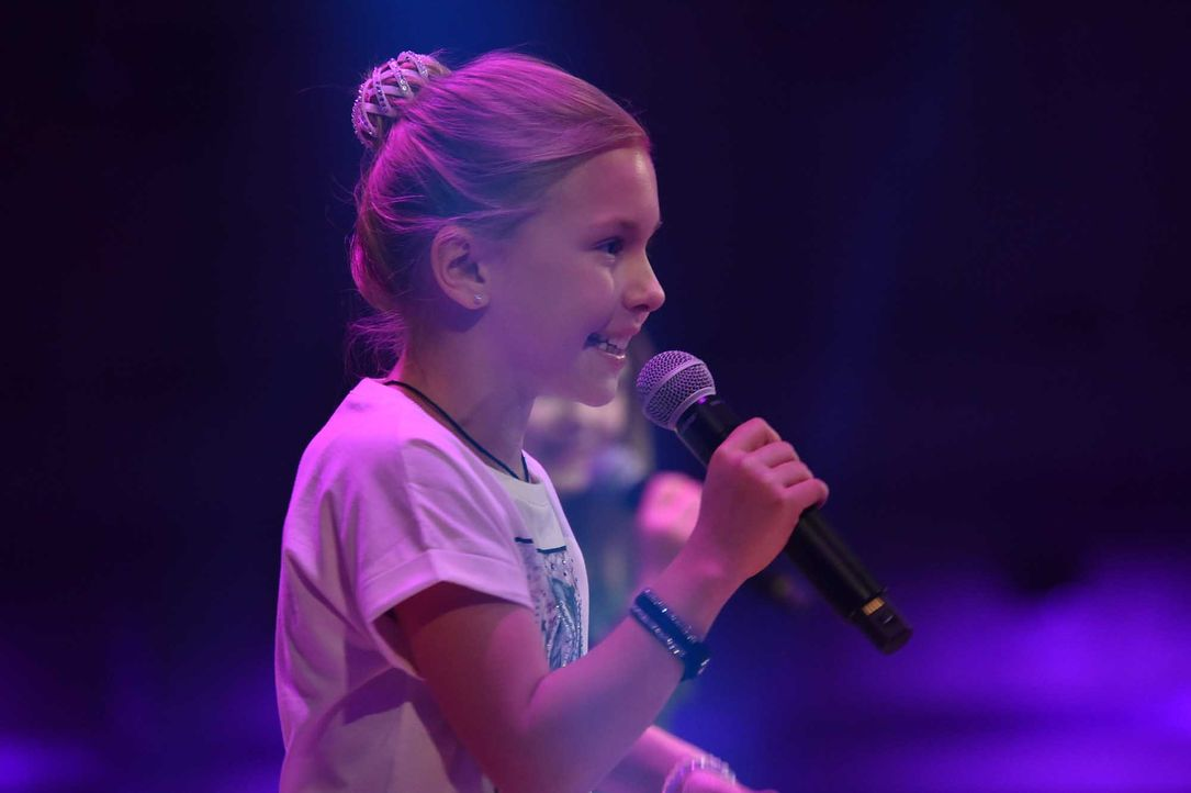 The-Voice-Kids-Stf04-Epi06-Auftritte-Emma-193-SAT1-André-Kowalski - Bildquelle: © SAT.1 / André Kowalski