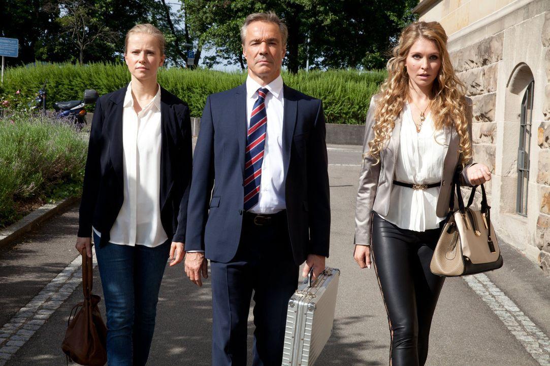 Auf in den Kampf! Für Axel (Hannes Jaenicke), Jenny (Susanne Bormann) und Micky (Susanne Krogmann) geht es nicht nur um eine Entschädigung. Sie woll... - Bildquelle: Maor Waisburd SAT. 1