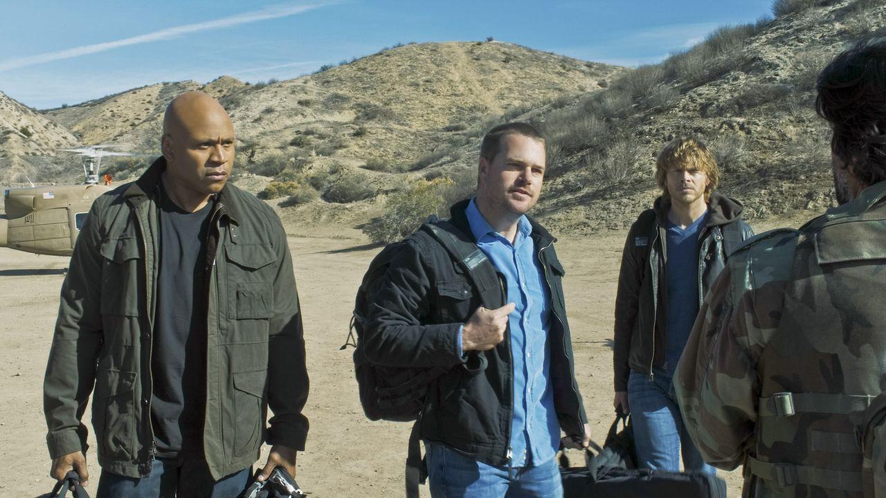 Einsatz auf Leben und Tod in Afghanistan: Sam (LL Cool J, l.), Callen (Chris O'Donnell, M.) und Deeks (Eric Christian Olsen, r.) ... - Bildquelle: CBS Studios Inc. All Rights Reserved.