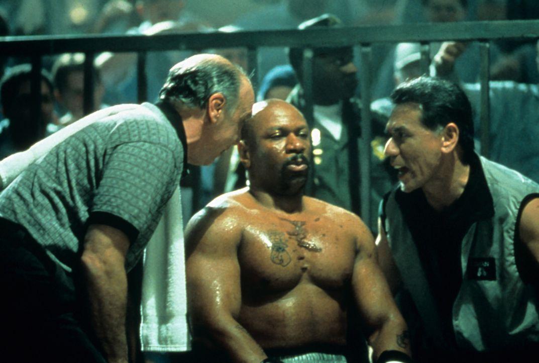 Ein gnadenloser Kampf beginnt: Iceman (Ving Rhames, M.) - Bildquelle: Miramax Films