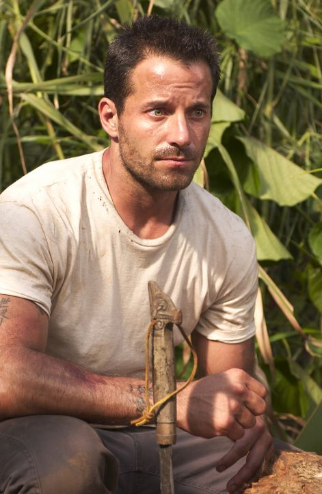 "Für eine horrende Summe chartert die Expedition das verfallene Boot von Bill ""Yin Sun"" Johnson (Johnny Messner), der als Einziger bereit ist, sie w... - Bildquelle: Sony Pictures Television International. All Rights Reserved."