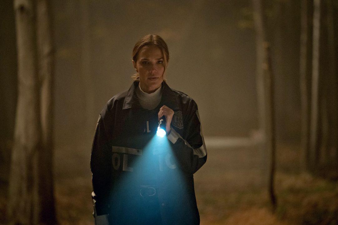 Amelia Sachs (Arielle Kebbel) - Bildquelle: Elizabeth Fisher 2020 NBCUniversal Media, LLC / Elizabeth Fisher