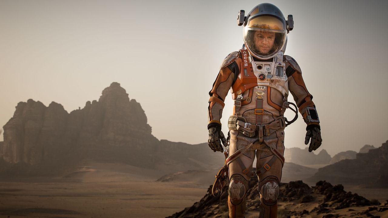 Sein Überlebenswille ist ungebrochen, doch Mark (Matt Damon) und seine alte Crew müssen alles riskieren, um jemals auf die Erde zurückkehren zu könn... - Bildquelle: 2015 Twentieth Century Fox Film Corporation. All rights reserved.