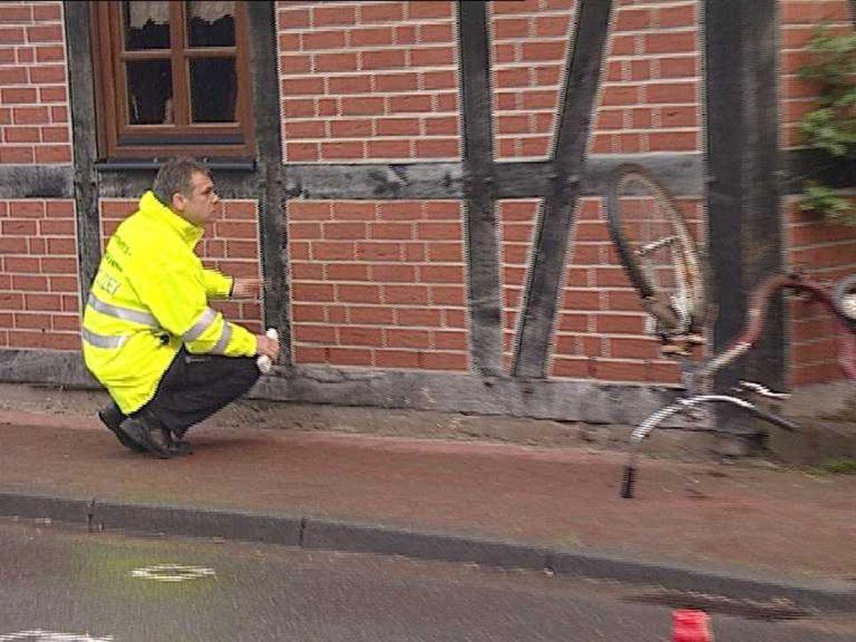 Rasen, Pöbeln, Falschparken - der tägliche Wahnsinn auf den Straßen. Da bleiben Opfer nicht aus. Der Verkehrsunfalldienst wird immer dann zu Unfa... - Bildquelle: Sat.1