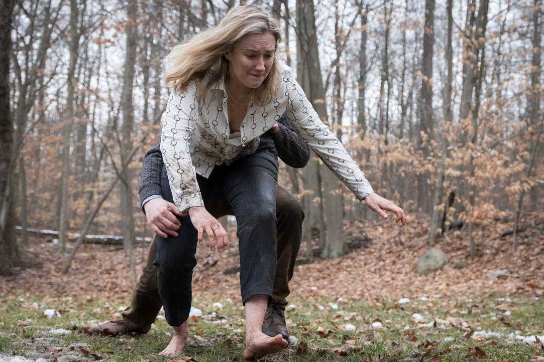Wird mitten im Wald von einem perversen Frauenmörder festgehalten: Patterson (Ashley Johnson) ... - Bildquelle: Warner Brothers