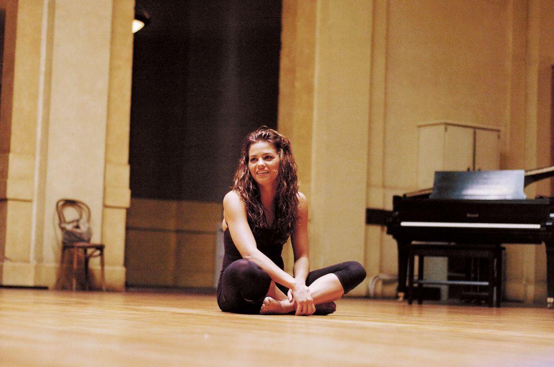 """Nora (Jenna Dewan) ist der Star der renommierten """"Maryland School Of Arts"""". Eines Tages wird ein Junge zu 200 Sozialstunden verdonnert, die er an ih... - Bildquelle: Constantin Film"""