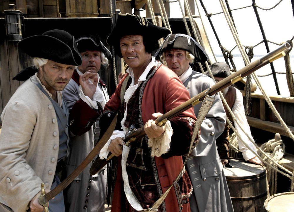 Kaum taucht die legendäre Schatzinsel am Horizont auf, da meutern auch schon die angeblichen Seeleute und übernehmen das Kommando an Bord. (v.l.n.r.... - Bildquelle: ProSieben