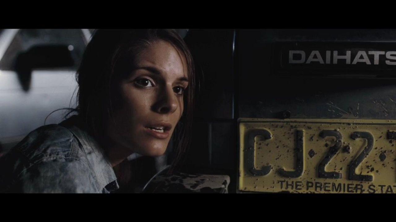 Ellie (Caitlin Stasey) und sechs ihrer Freunde campen über die Weihnachtsferien in einem von der Außenwelt völlig abgeschnittenen Tal. Sie ahnen noc... - Bildquelle: Splendid Film