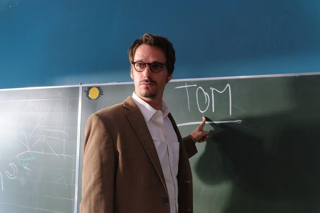 Notgedrungen landet der Vollblutmusiker Tom (Max von Thun) als Musiklehrer an einer Förderschule. Und obwohl er mit seinen behinderten Schützlinge... - Bildquelle: Hardy Spitz SAT.1