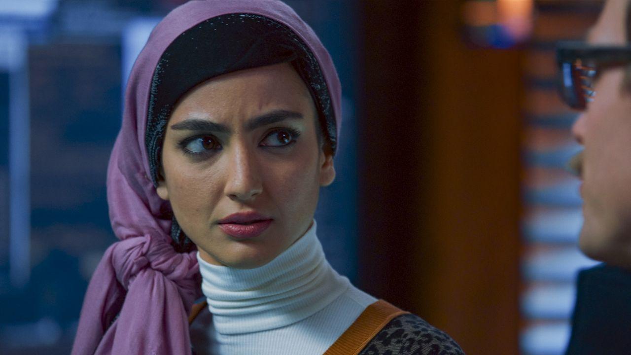 Special Agent Fatima Namazi (Medalion Rahimi) - Bildquelle: 2020 CBS Broadcasting, Inc. All Rights Reserved.