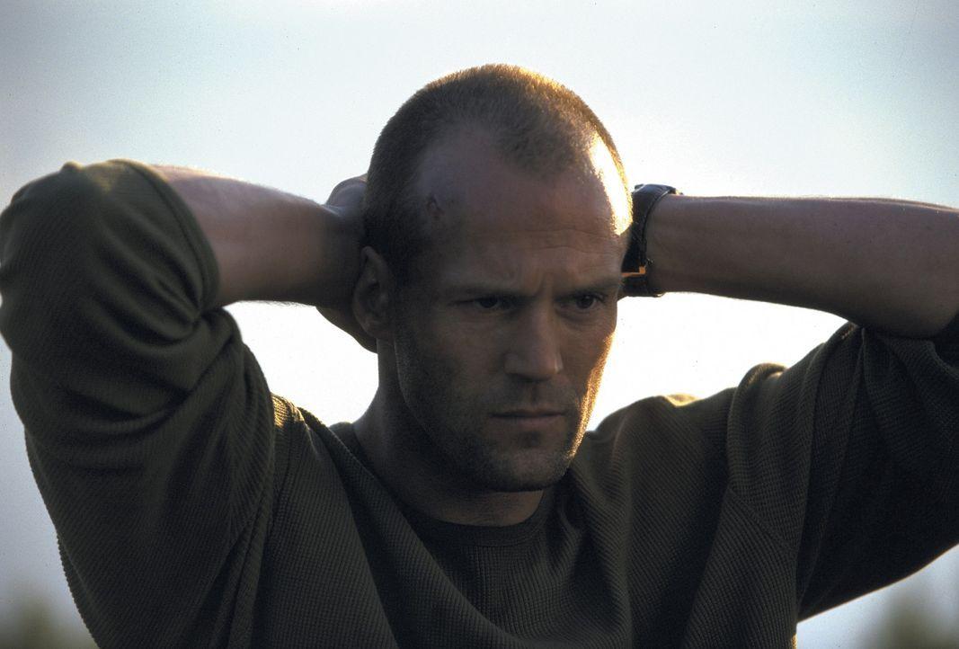 Nachdem Kurierfahrer Frank (Jason Statham) dummerweise eines seiner Pakete geöffnet hat, sitzt er tief in der Patsche ... - Bildquelle: Twentieth Century Fox Film Corporation