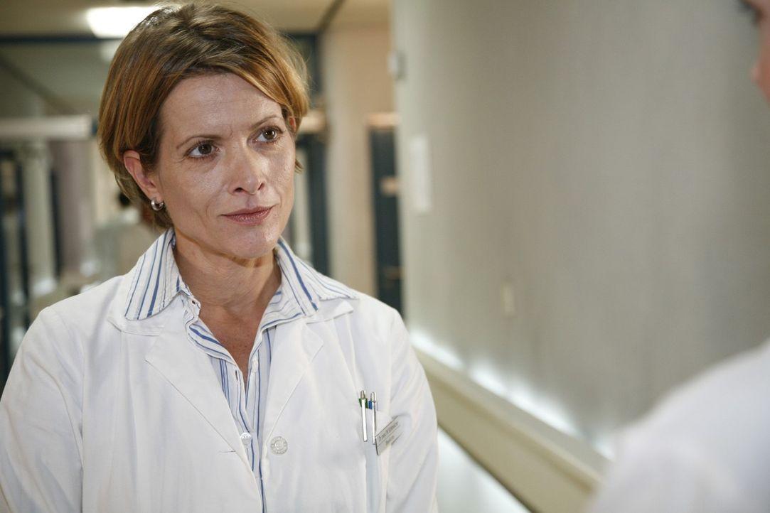 Dr. Marianne Schmelzer (Karin Giegerich) - Bildquelle: Mosch Sat.1