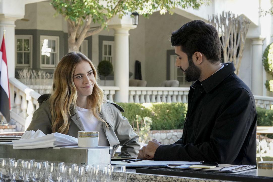 Ellie Bishop (Emily Wickersham, l.); Nasser Al-Kamal (Daniel Peera, r.) - Bildquelle: Bill Inoshita 2021 CBS Broadcasting, Inc. All Rights Reserved. / Bill Inoshita