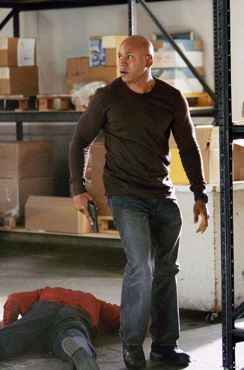 Undercover versucht Sam (LL Cool J), den Mord an einem jungen Marine aufzudecken ... - Bildquelle: CBS Studios Inc. All Rights Reserved.