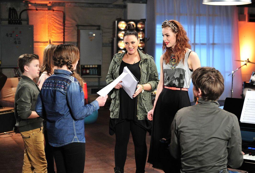 The-Voice-Kids-Stf02-Epi06-Patrizia-Helena-Simon-102-SAT1-Andre-Kowalski - Bildquelle: SAT.1/Andre Kowalski