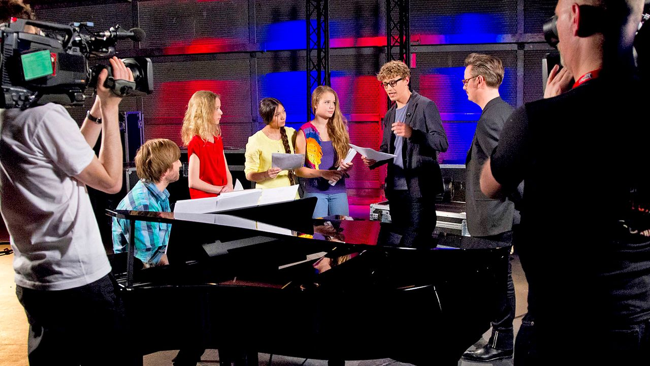 The-Voice-Kids-epi04-Hannah-LaraMarie-Kieu-21-SAT1-Richard-Huebner - Bildquelle: SAT.1/Richard Hübner