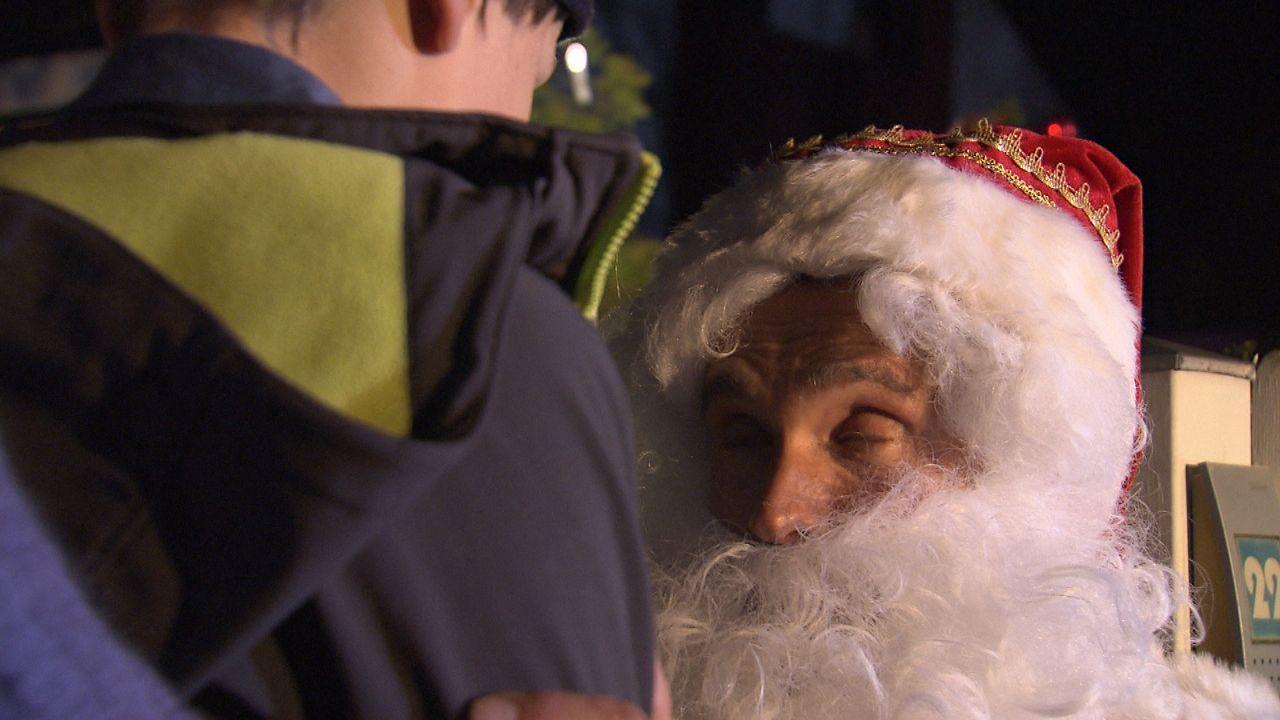 Wer-glaubt-schon-an-den-Weihnachtsmann19 - Bildquelle: SAT.1