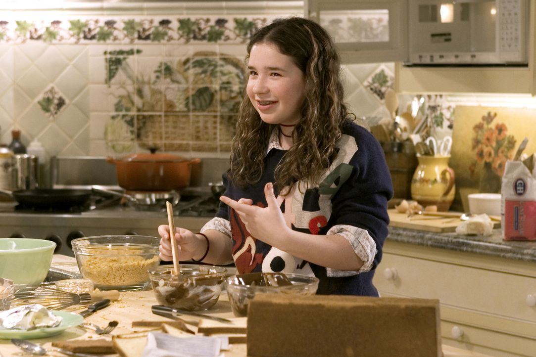 Der Schlankheitswahn ihrer Mutter geht ihr tierisch auf die Nerven: Bernice (Sarah Steele) ... - Bildquelle: Sony Pictures Television International. All Rights Reserved