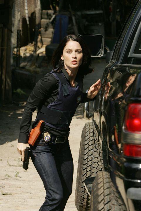 Dem Mörder der jungen, rothaarigen Frau auf der Spur: Teresa Lisbon (Robin Tunney) ... - Bildquelle: Warner Bros. Television