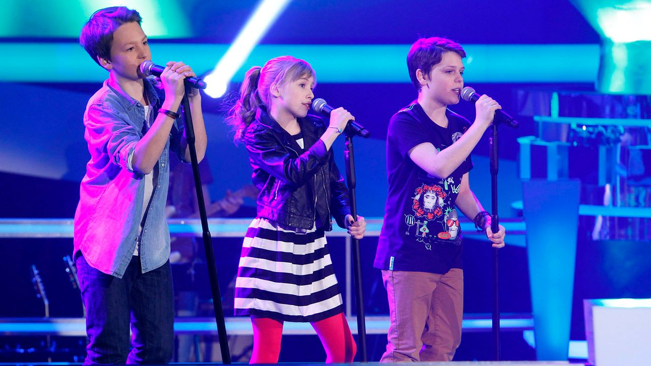 The-Voice-Kids-epi04-Finn-Thea-Sean-10-SAT1-Richard-Huebner - Bildquelle: SAT.1/Richard Hübner