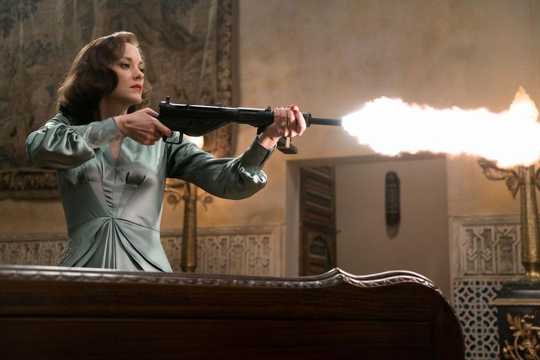 Marianne Beauséjour (Marion Cotillard) - Bildquelle: 2016 Paramount Pictures. All Rights Reserved.