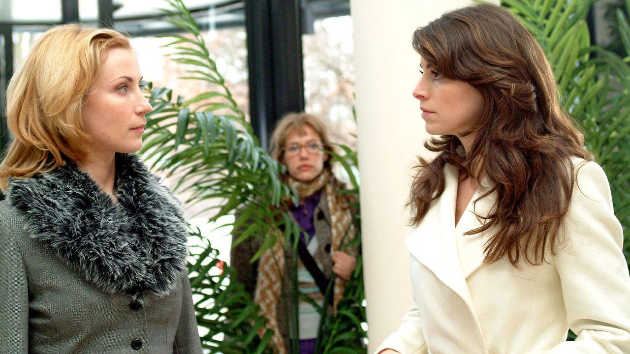 verliebt-in-berlin-folge-23-02-SAT1-Monika-Schuerle - Bildquelle: SAT.1/Monika Schürle