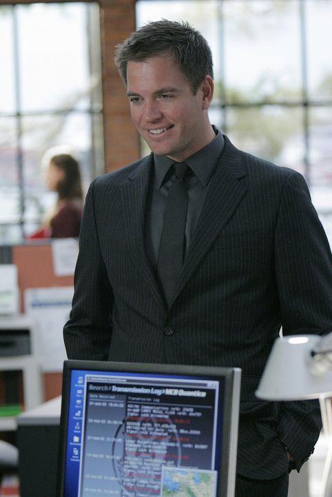 Versucht mit seinen Kollegen einen neuen Fall zu lösen: Tony (Michael Weatherly) .. - Bildquelle: CBS Television