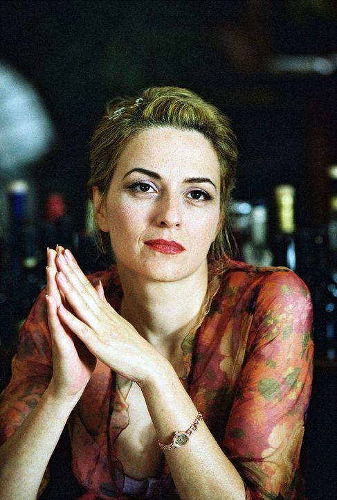 Paula (Martina Gedeck), die ruhelose Mutter, die es nie lange bei einem Mann aushält ... - Bildquelle: Erika Hauri Sat.1