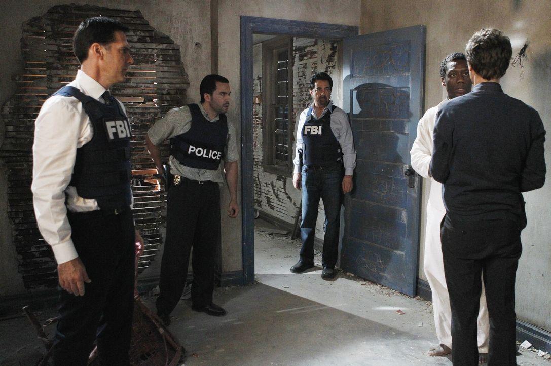 Als in Miami im Allapatah-Viertel drei Menschen gefunden wurden, an denen Ritualmorde begangen wurden, reist das Team dorthin. Die Ermittlungen führ... - Bildquelle: ABC Studios