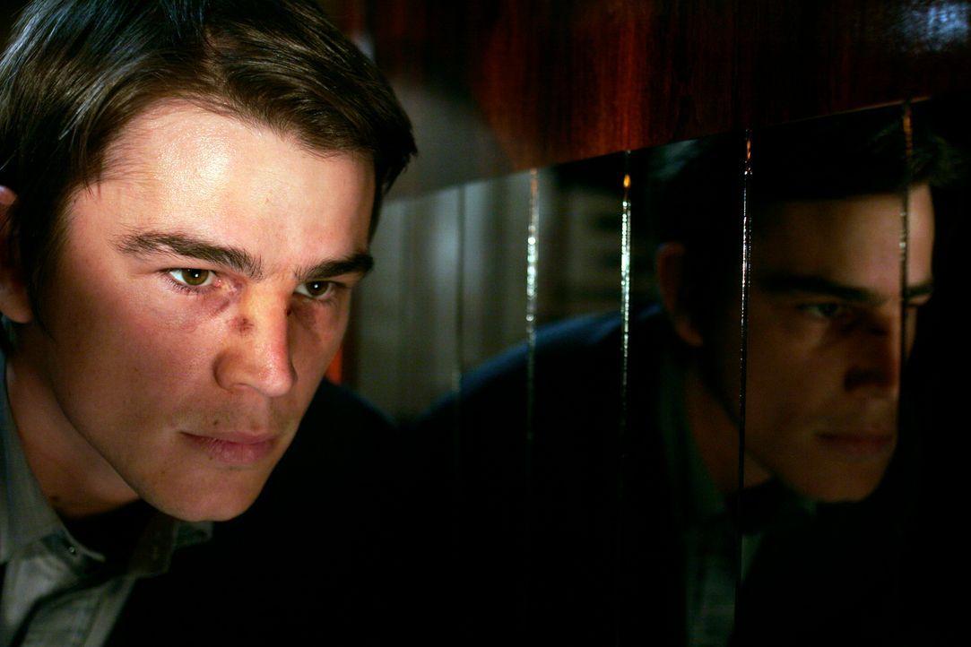 Slevin (Josh Hartnett) hat heute einfach nur Pech: Zuerst verliert er seine Frau, dann seinen Job, danach wird er überfallen - und jetzt gerät er au... - Bildquelle: Metro-Goldwyn-Mayer (MGM)