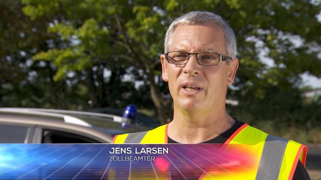 Zoll - Jens Larsen - Bildquelle: SAT.1