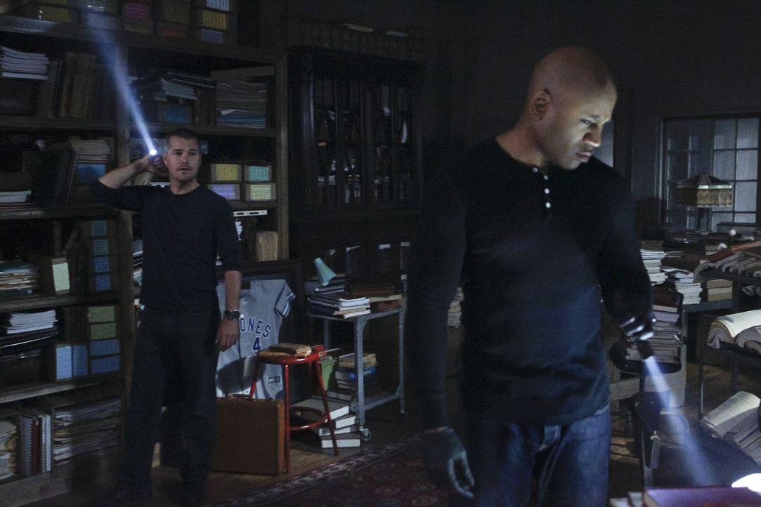 Ein neuer Fall wartet auf Sam (LL Cool J, r.) und Callen (Chris O'Donnell, l.) ... - Bildquelle: CBS Studios Inc. All Rights Reserved.