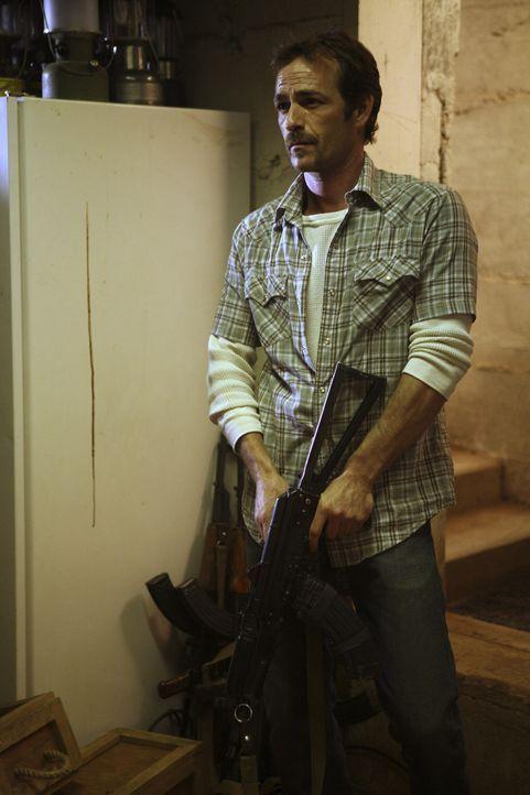 Mit dem Anführer der streng religiösen Sekte Benjamin Cyrus (Luke Perry) ist nicht zu spaßen ... - Bildquelle: Touchstone Television