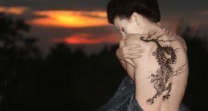 Japanische Tattoos haben tiefe Bedeutungen. Der Drache beispielsweise steht f...