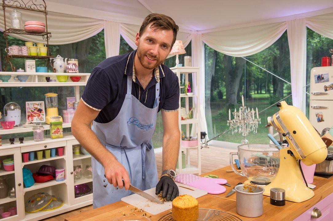 """Sein Ziel ist es, den Titel """"Deutschlands bester Hobbybäcker"""", ein eigenes Backbuch und 10.000 Euro zu gewinnen. Doch wird er die Chance nutzen, unt... - Bildquelle: Claudius Pflug SAT.1"""