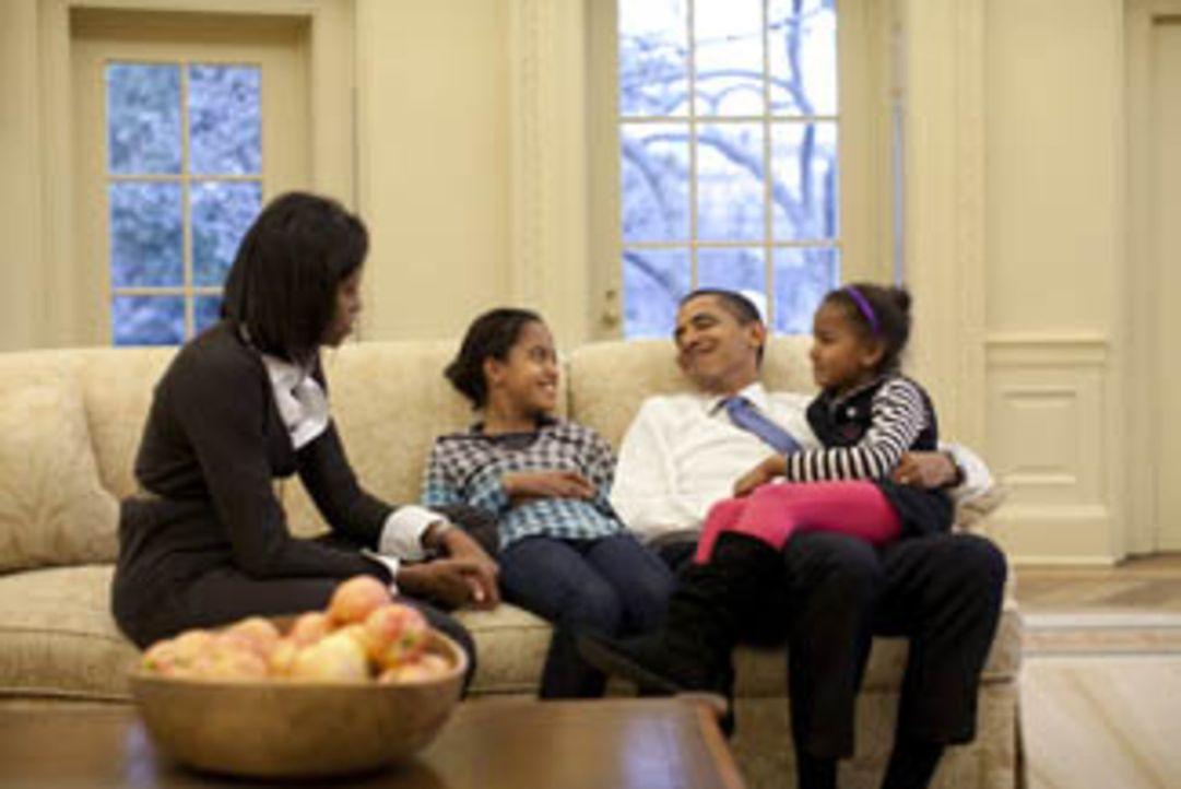 Ein Kamerateam von National Geographic hat den US-Präsidenten fünf Monate lang begleitet. Dabei ist ein exklusiver und intimer Einblick in das Leb... - Bildquelle: Pete Souza National Geographic Television International