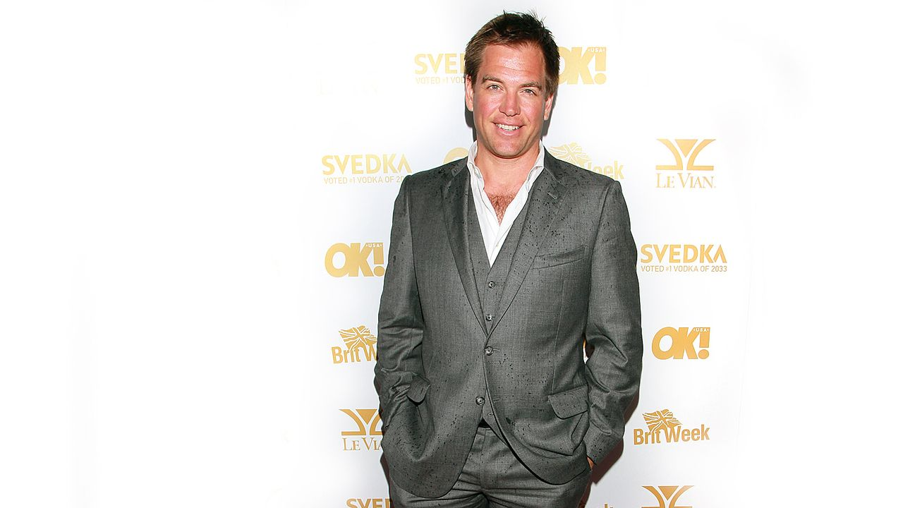 michael-weatherly-11-02-26-grauer-anzug-ausschnitt-getty-AFP - Bildquelle: getty-AFP
