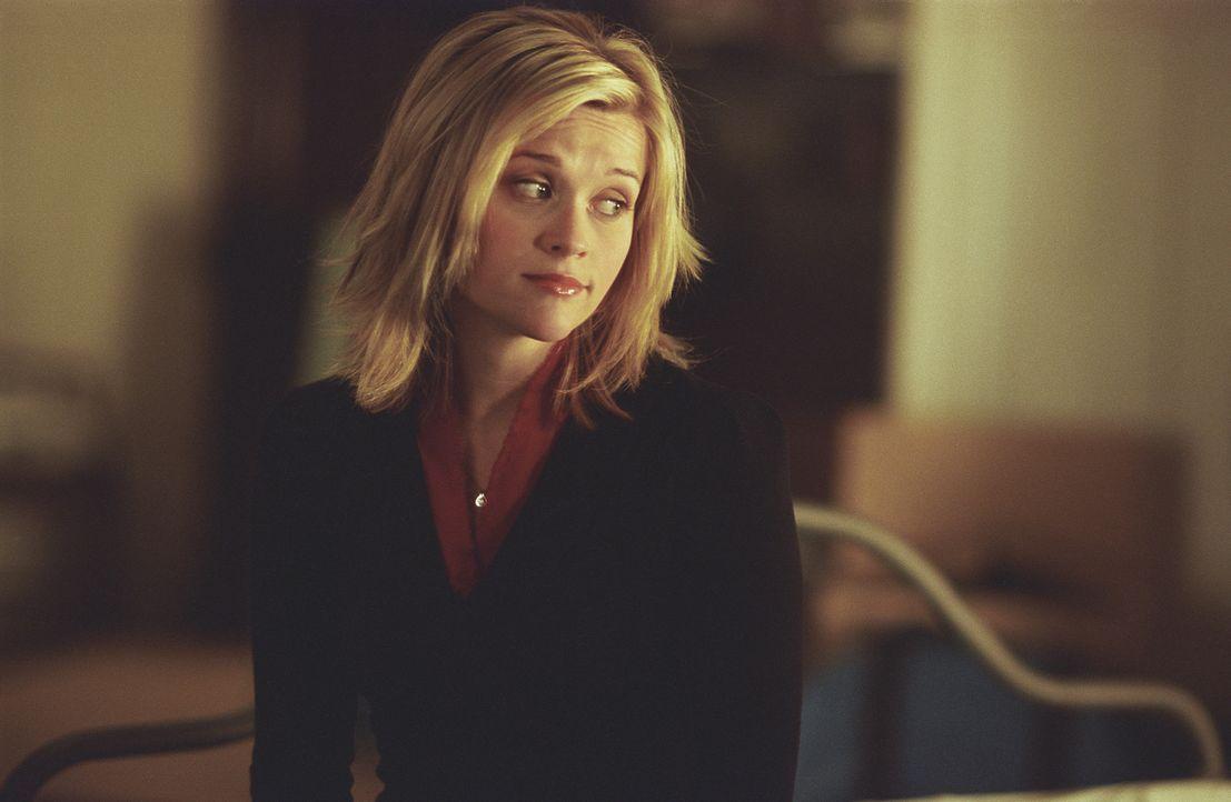 Als David in seine neue Wohnung zieht, trifft er dort auf den Geist seiner Vormieterin Elizabeth (Reese Witherspoon), die seit einem Verkehrsunfall... - Bildquelle: Telepool GmbH