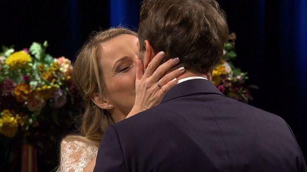 Hochzeit Auf Den Ersten Blick - Hochzeit Auf Den Ersten Blick - Spezial: Bei Janina Und Dennis Stimmt Die Chemie