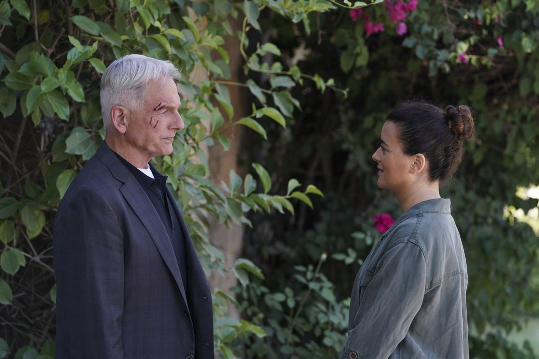 Leroy Jethro Gibbs (Mark Harmon, l.); Ziva David (Cote de Pablo, r.) - Bildquelle: Michael Yarish 2019 CBS Broadcasting, Inc. All Rights Reserved. / Michael Yarish