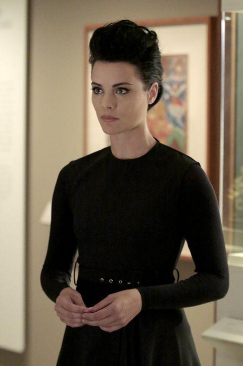 Wider Erwarten lernt Jane (Jaimie Alexander) eine sanfte Seite ihrer alten Organisation kennen ... - Bildquelle: Warner Brothers