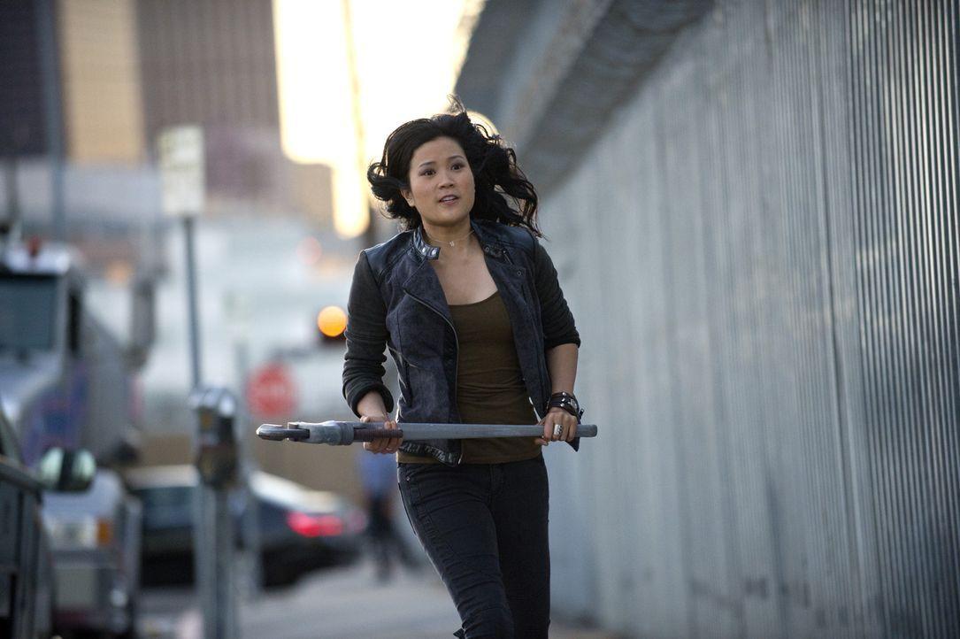 Kämpft mit ihren Freunden gegen einen internationalen Verbrecherring: Happy (Jadyn Wong) ... - Bildquelle: Neil Jacobs 2014 CBS Broadcasting, Inc. All Rights Reserved