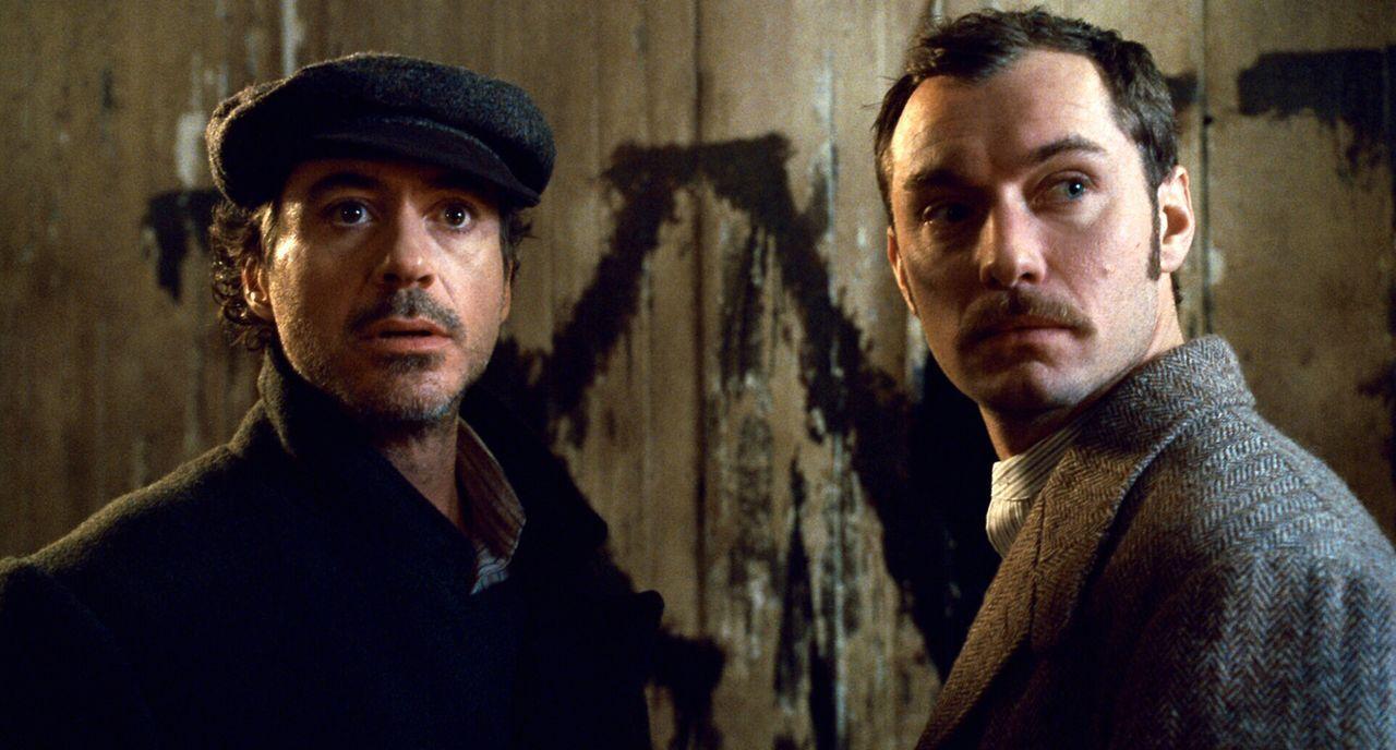 Ihre wichtigste Mission beginnt: Sherlock Holmes (Robert Downey Jr., l.) und Dr. Watson (Jude Law, r.) ... - Bildquelle: Warner Brothers