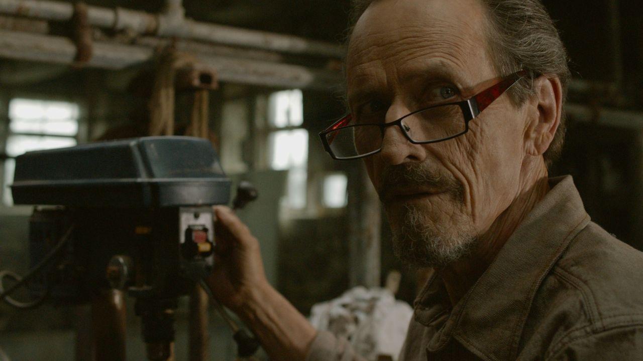 Der Farmer John Tollerman (Stephen McHattie) scheint mehr über die Vergangenheit des 18-jährigen Neu-Werwolfs Cayden zu wissen, als er ahnen lässt .... - Bildquelle: SQUAREONE ENTERTAINMENT GMBH