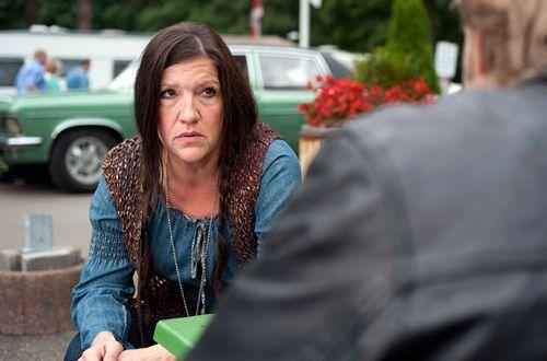 Harrys trauernde Witwe Rita (Katy Karrenbauer) hat seit geraumer Zeit einen Liebhaber. Aber ist sie deshalb eine Mörderin? - Bildquelle: Martin Rottenkolber - Sat1