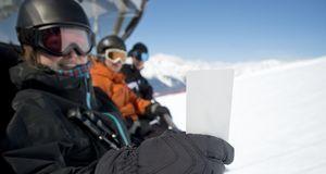 Einige Angebote fürs Skiwochenende beinhalten den Skipass bereits. Ist er nic...