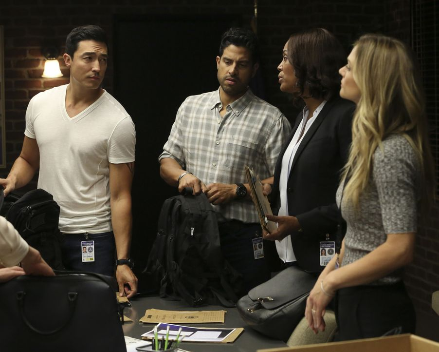 (v.l.n.r.) Matthew Simmons (Daniel Henney); Luke Alvez (Adam Rodriguez); Dr. Tara Lewis (Aisha Tyler); JJ (A. J. Cook) - Bildquelle: Michael Yarish 2006 Touchstone Television. All rights reserved. NO ARCHIVE. NO RESALE./Michael Yarish