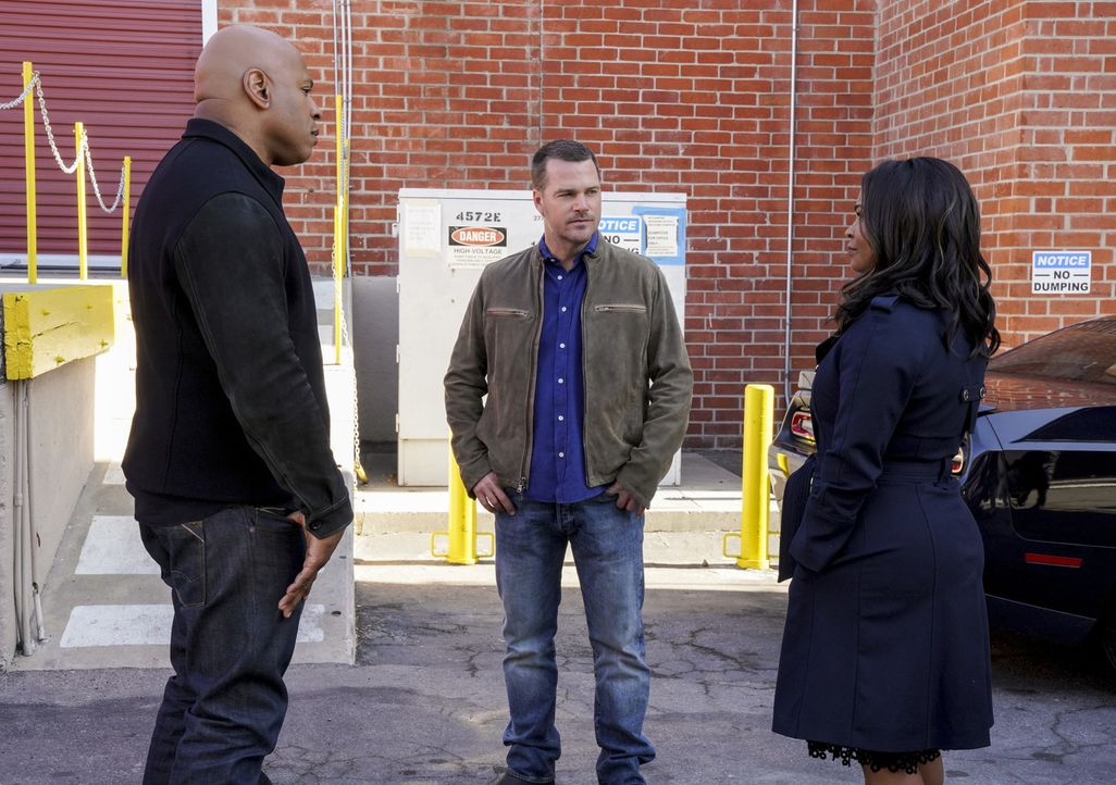 Sam Hanna (LL Cool J, l.), G. Callen (Chris O'Donnell, M.) und Assistant Director Shay Mosley (Nia Long, r.) sind den Tätern auf der Spur. Denken si... - Bildquelle: Bill Inoshita 2018 CBS Broadcasting, Inc. All Rights Reserved/Bill Inoshita