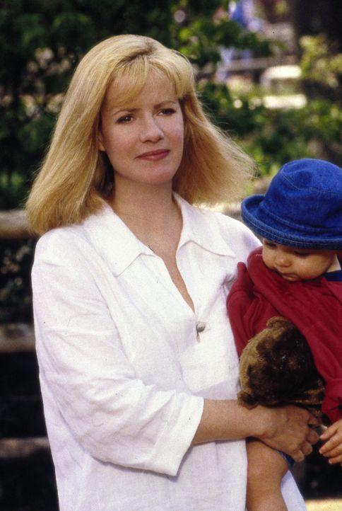 Sorgen für mächtig Dampf in der Hütte: Megan Dayton (Bonnie Hunt, l.) mit ihren fünf Kindern und ihrem großmäuligen Ehemann ? - Bildquelle: Metro-Goldwyn-Mayer