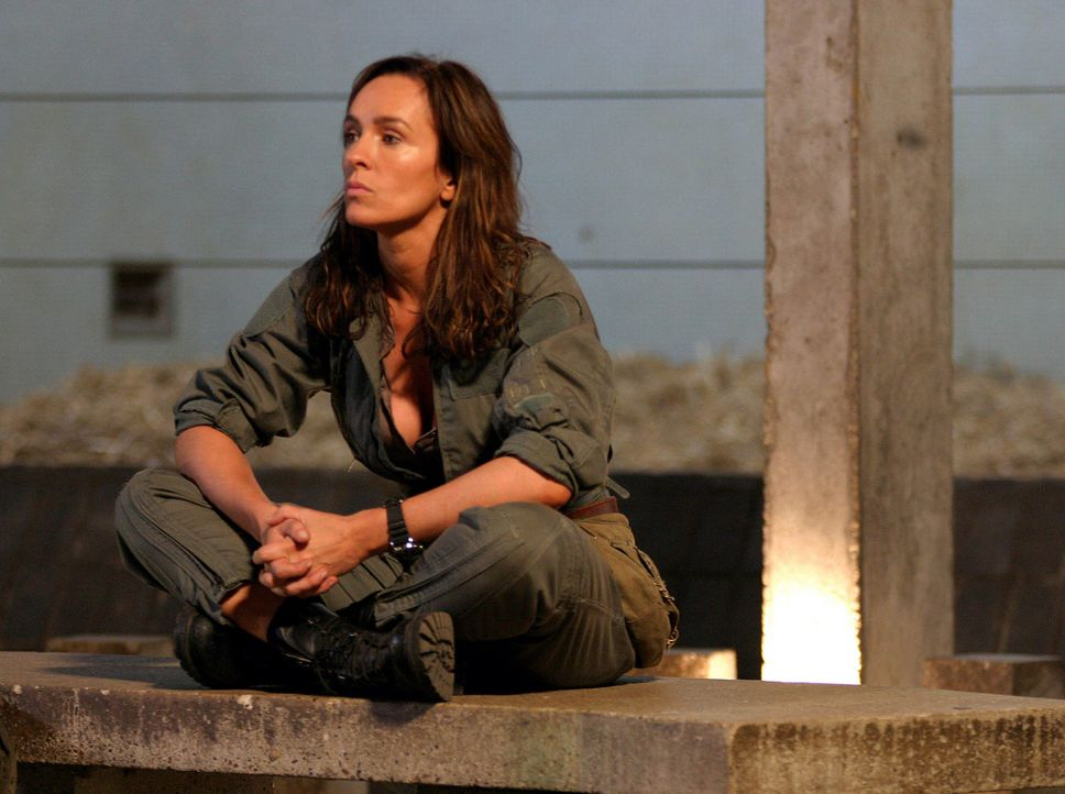 Nachdem Helen Cutter (Juliet Aubrey) wieder aufgetaucht ist, will Lester sie in einem abgeschirmten Bereich verhören. Doch er hat keinen Erfolg, da... - Bildquelle: ITV Plc